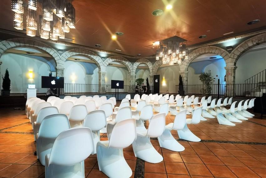 Espacio para eventos corporativos en Madrid en Casa de Burgos. Consulta todas las posibilidades que ponemos a tu disposición.