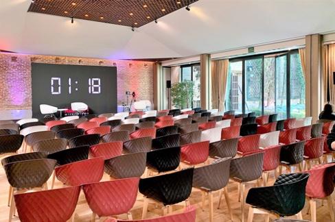 Espacio para eventos en Madrid en el que poder celebrar y organizar tu evento híbrido, presencial y online.